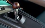 17 Aston Martin Victor 2021 gearstick