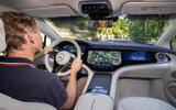17 Mercedes EQS580 2021 FD GK driving