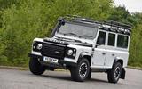 Land Rover Defender - tracking front
