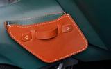 19 Aston Martin Victor 2021 leather