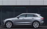 Jaguar F-Pace - side