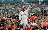 Lewis Hamilton crowd