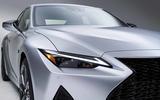 2021 Lexus IS headlight close