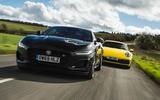 Jaguar F-Type vs Porsche 911