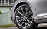 Volkswagen Passat GTE Estate 2019 first drive review - alloy wheels