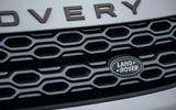 4 Land Rover Discovery P300e 2021 UK FD bonnet badge