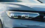 Volkswagen passat Estate R Line 2019 UK review - headlights