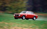 Alfa Romeo GTA - tracking side