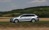 Skoda superb side action 2