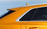 6 Audi Q8 TFSI e 2021 uk FD quarter panel glass