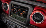 Jeep Wrangler (JL) Unlimited Rubicon 2018 review infotainment
