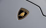 6-lamborghini-huracan-evo-uk-fd-2019-badge