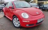 Volkswagen Beetle Cabriolet - stationary front
