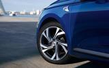 Renault Clio 2019 Autocar studio static - RS Line alloy wheels