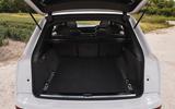 8 Audi Q7 TFSIe 2021 UK FD boot
