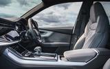 8 Audi Q8 TFSI e 2021 uk FD cabin
