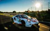 Porsche 911 RSR-19 drive - tracking