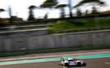 Porsche 911 RSR-19 drive - on track zoom