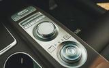 89 Genesis vs Audi twin test 2021 genesis centre console