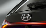Hyundai i20 2020 studio images - rear badge