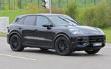91 Porsche Cayenne 2022 spies side