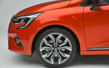 Renault Clio 2019 Autocar studio static - alloy wheels