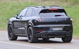 94 Porsche Cayenne 2022 spies rear