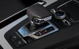 Audi Q5 55 TFSIe quattro gearstick