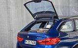 2017 BMW 5 Series Touring window