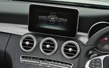 Mercedes-Benz C 220 d infotainment