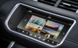 Land Rover Evoque Convertible infotainment