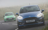 Ford Fiesta ST vs Clio RS 200 - action