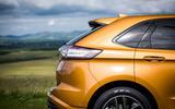 Ford Edge roof spoiler