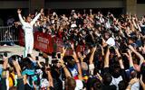 Lewis Hamilton wins sixth driver's world championship - celebration
