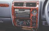 2000 Toyota Land Cruiser centre console