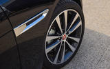 Jaguar XE 25d AWD side vents
