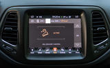 Jeep Compass dynamic controls