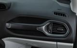 Jeep Renegade 2018 review glove box