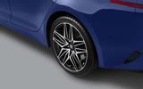 Kia Stinger wheel