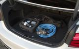 BMW 330e Sport boot