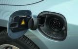 Volvo V60 D5 Twin Engine SE Nav charging