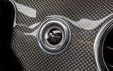 Mercedes-Benz E 220 d ignition button