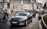 Ford Mondeo Vignale in traffic