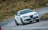 Alfa Romeo Stelvio vs Porsche Macan