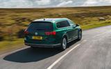 Autocar VW Passat Alltrack 2019 rear tracking