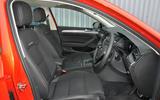 Volkswagen Passat Alltrack 2.0 TDI 4Motion front seats