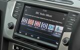 Volkswagen Passat Alltrack 2.0 TDI 4Motion infotainment screen