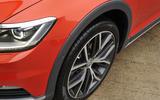 Volkswagen Passat Alltrack 2.0 TDI 4Motion front left wheel alloy