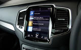 Volvo XC90 B5 AWD R-Design - infotainment