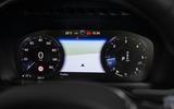 Volvo XC90 B5 AWD R-Design - clocks